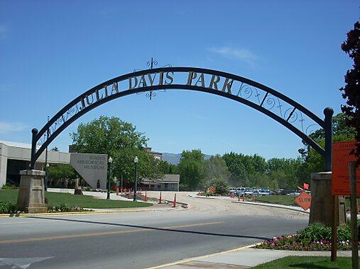 Julia Daivs Park