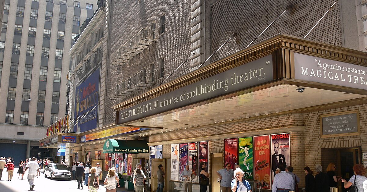 Restaurants Near Shubert Theatre Nyc