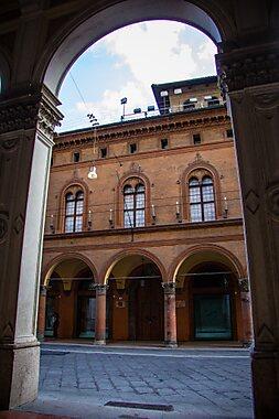 casa saraceni bologna tripomatic