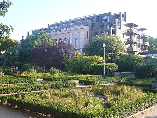 Montju c park barcelona sygic travel for Bar jardin barcelona
