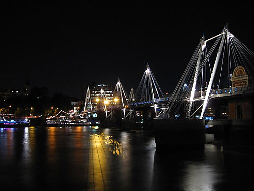 Hungerford United Kingdom  city photo : ... southern of the two footbridges flanking Hungerford Bridge at night