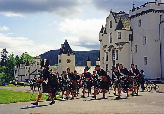 Blair Atholl United Kingdom  City new picture : to arms The Atholl Highlanders at Blair Castle. The Duke of Atholl ...