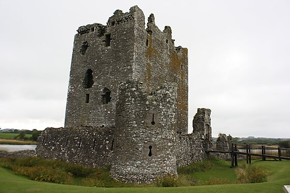 Dumfries And Galloway United Kingdom  city pictures gallery : Threave Castle in Dumfries and Galloway, Scotland, UK.