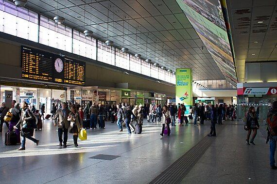 Torino porta nuova torino sygic travel - Orari treni porta nuova torino ...