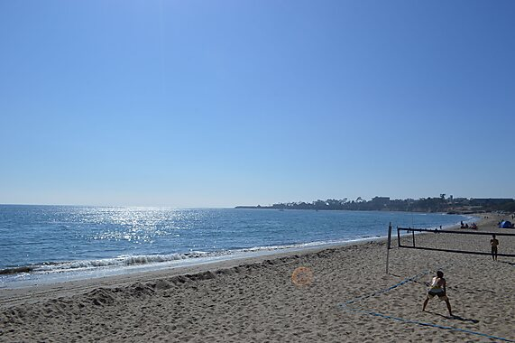 Goleta (CA) United States  city images : Goleta Beach; to the right of this photo is University of California ...