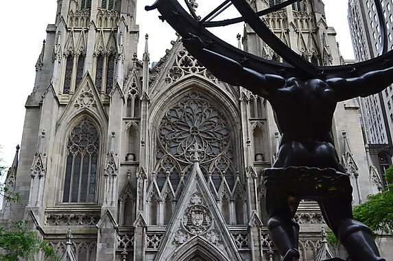 Saint patrick 39 s cathedral new york tripomatic for Attractions near new york city