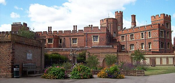 Ecton United Kingdom  city photo : Garden & Eton College The rear view of Eton College showing a small ...