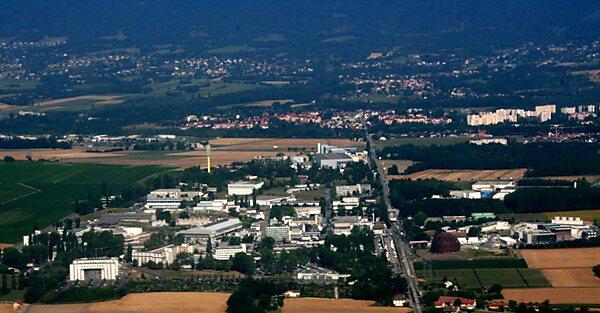 Cern Geneva Tripomatic