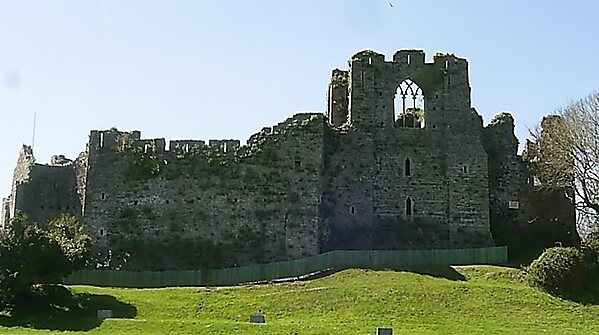 Oystermouth Castle – Swansea | Sygic Travel