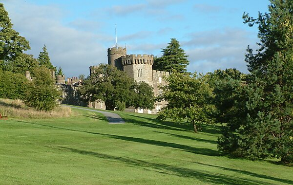 Balloch United Kingdom  city images : Balloch Castle in United Kingdom