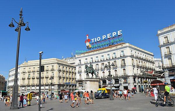 A short city centre tour sygic travel for Parking puerta del sol
