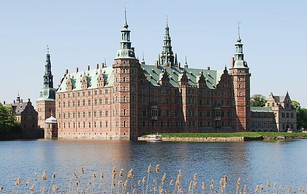 Frederiksborg slot opening hours